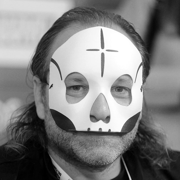 http://www.calibrofestival.com/wp-content/uploads/2015/12/Davide-Toffolo.jpg