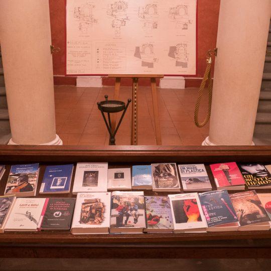 https://www.calibrofestival.com/wp-content/uploads/2020/01/28_01_Bibliotecalibro-540x540.jpg